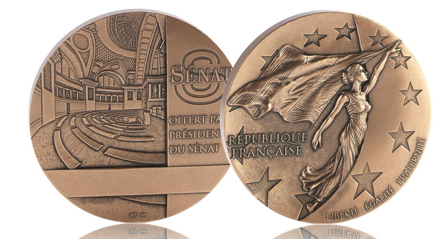 Création de la médaille du Président du Sénat – 2013