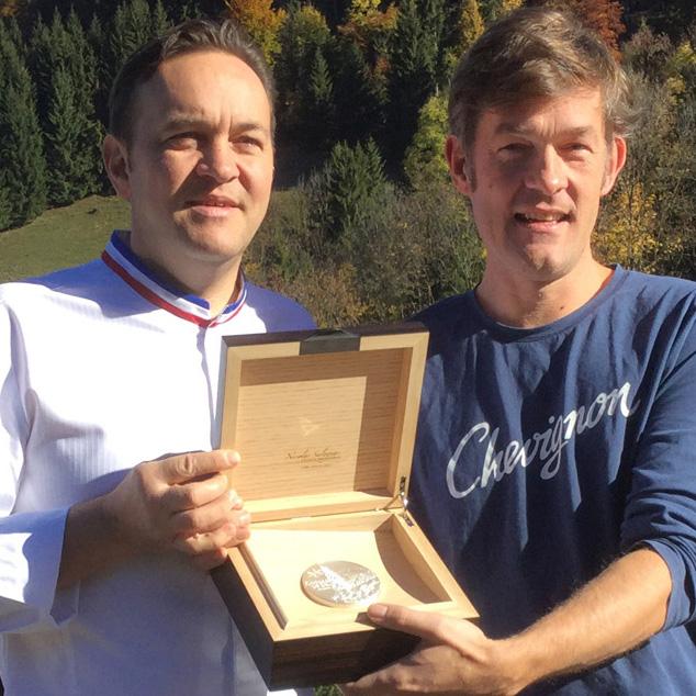 Une médaille pour Emmanuel Renaut, MOF 2004 – Flocons de Sel – Megève