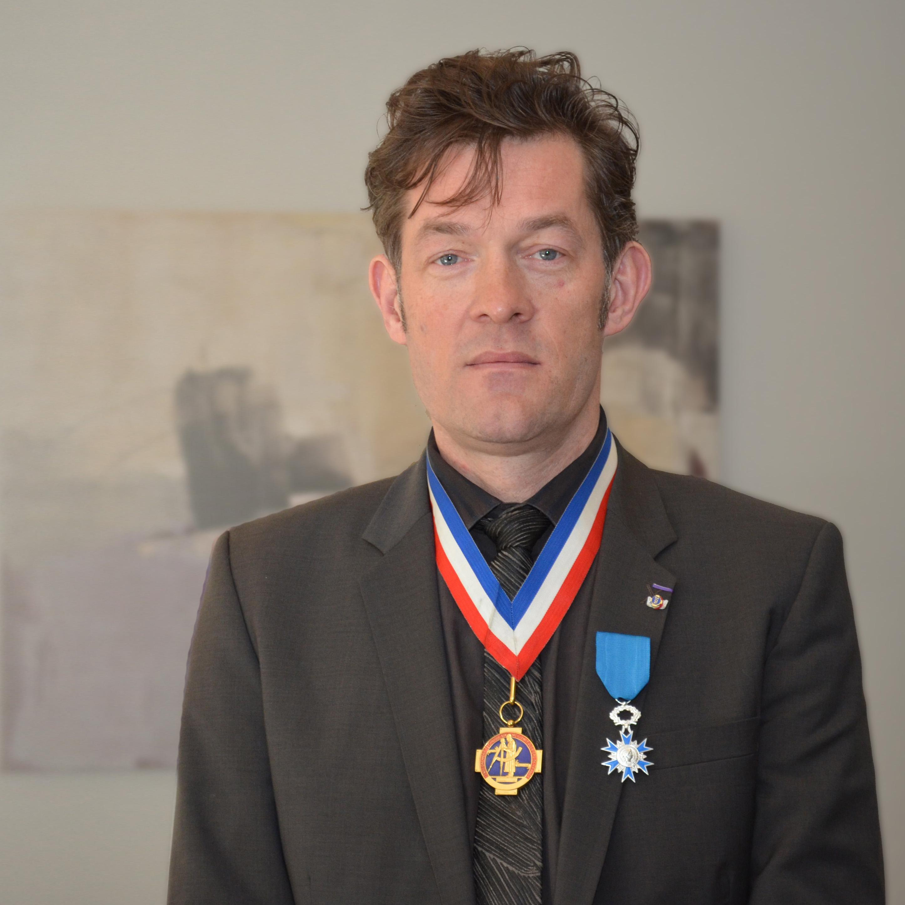 Nicolas Salagnac fait chevalier de l'Ordre National du Mérite