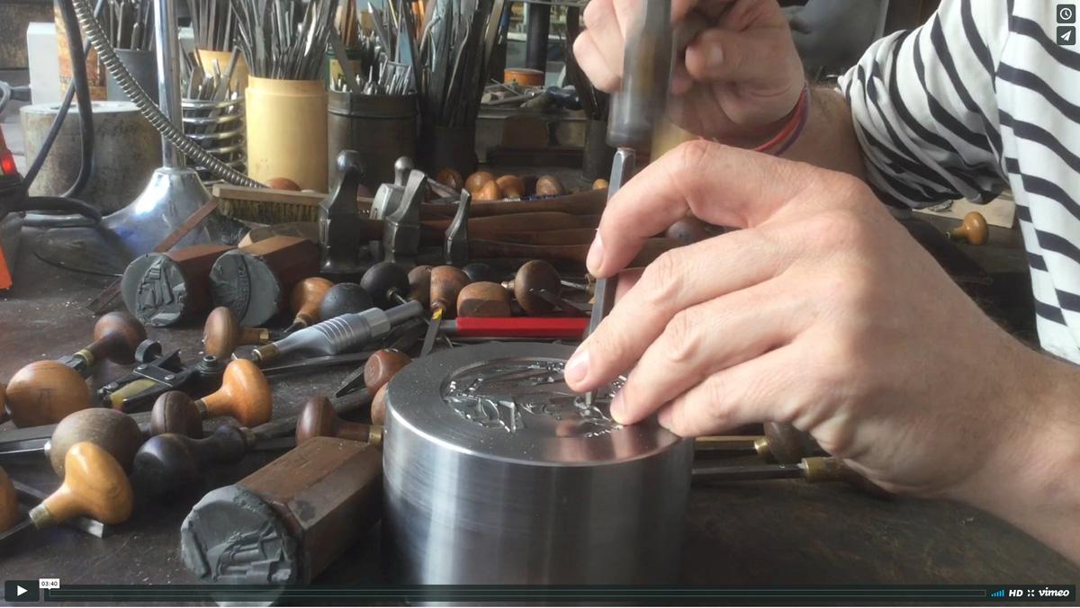 Création d'une matrice pour éditer une médaille de l'Union des Forgerons