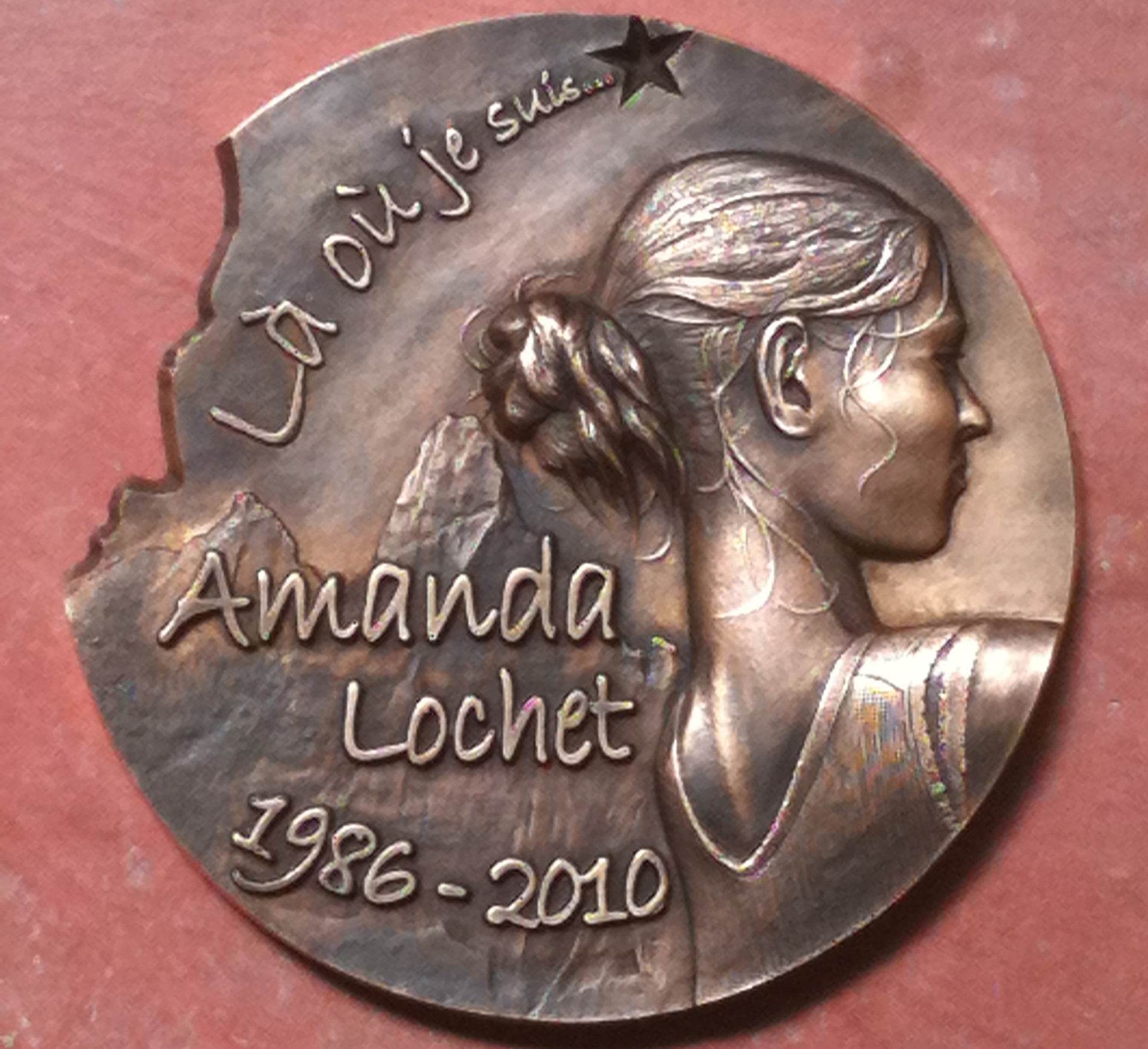 Médaillon hommage pour Amanda Lochet